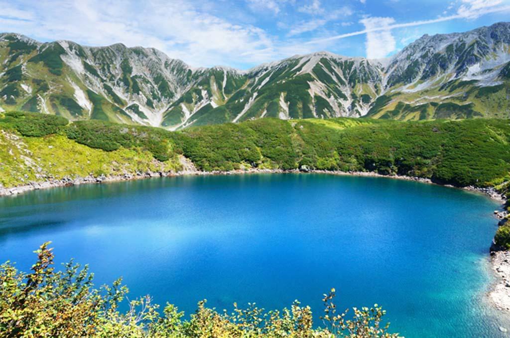 国内でも最大級スケールの観光スポット【立山黒部アルペンルート】