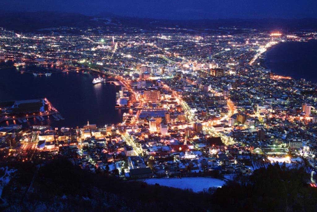 世界三大夜景で100万ドルの夜景としても人気【函館山展望台】